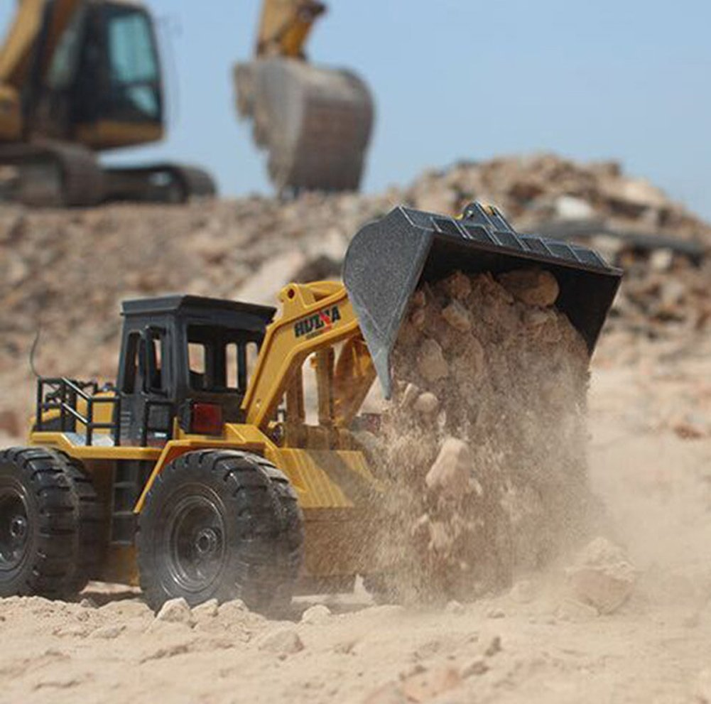 Remote Control Bulldozer Construction Vehicle 2.4GHz Full Functional Wheeled Loader Truck